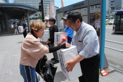 2018.7.11.県党が豪雨災害救援募金 (2)